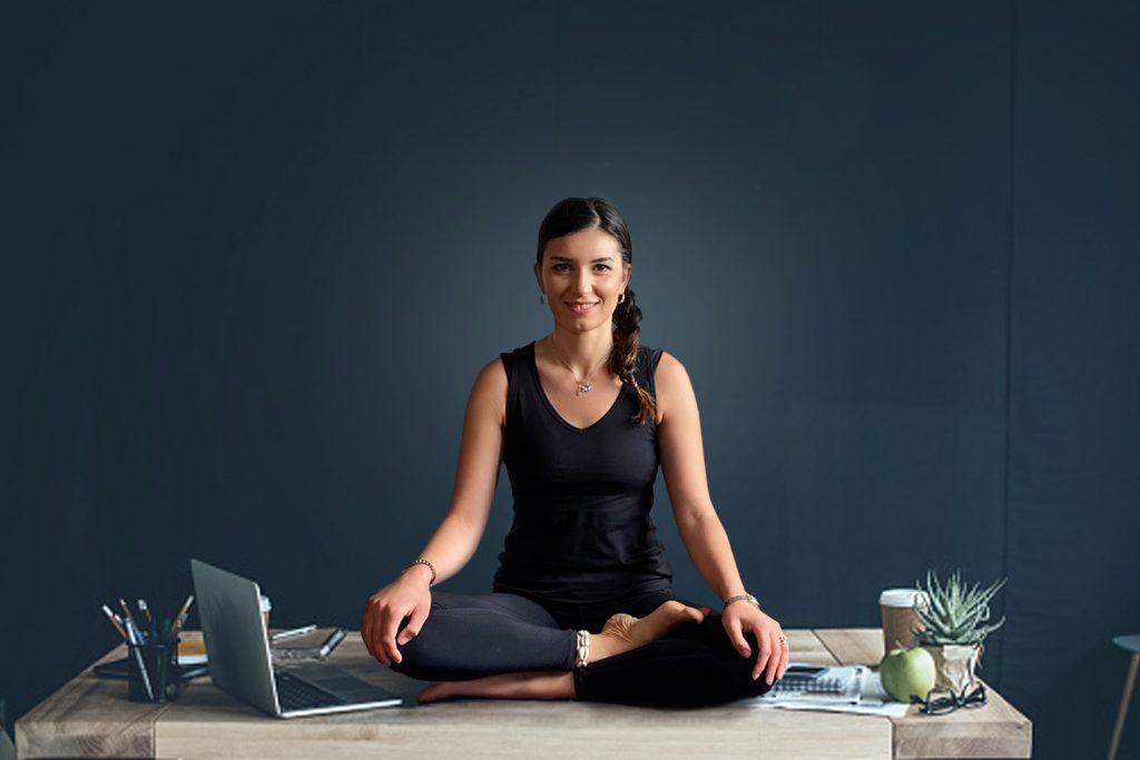 Yoga da ufficio smart working con Rossella Forastiero